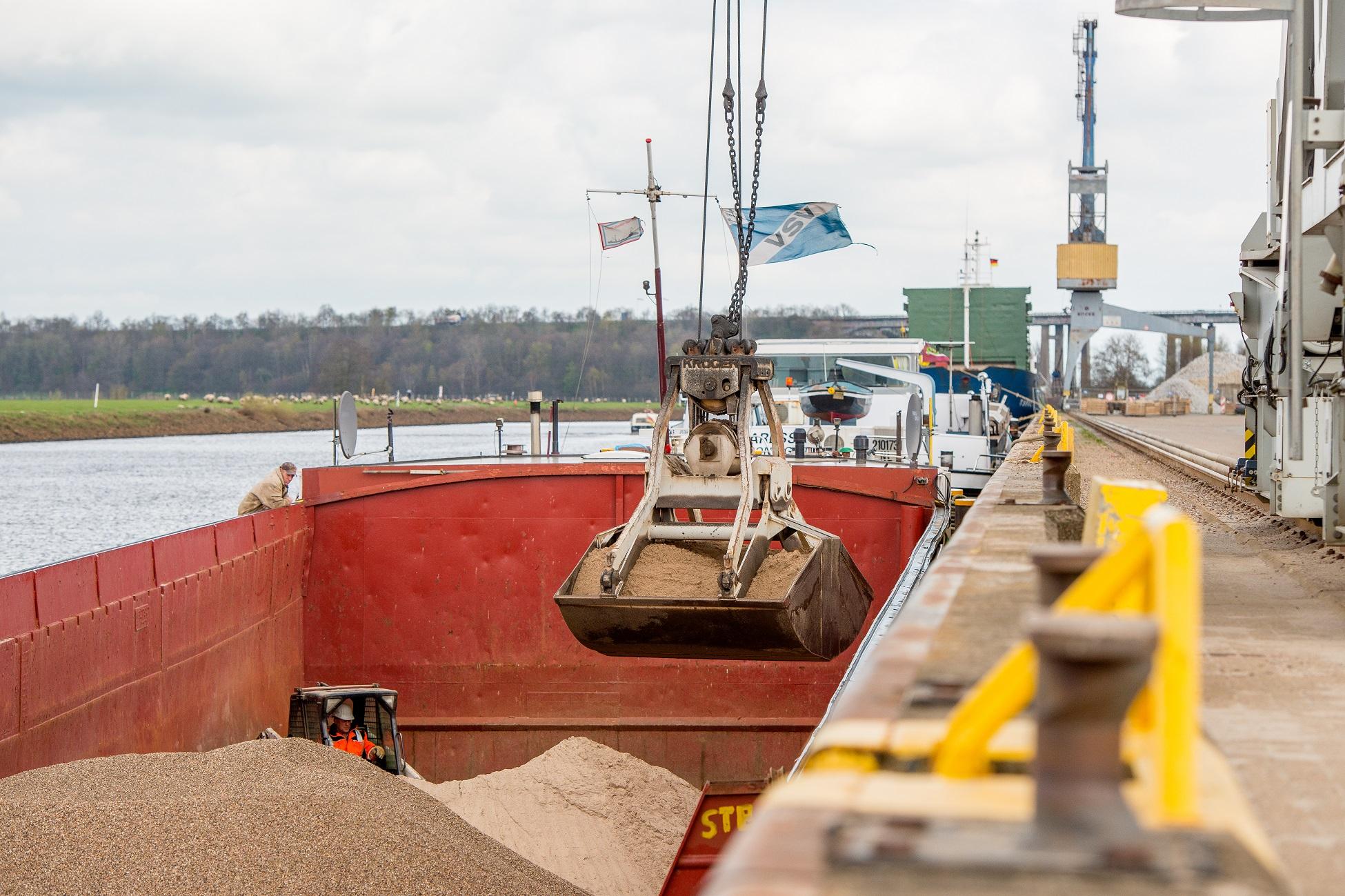 https://seaports.de/content/uploads/Oldenburg_Dry_bulk-1.jpg