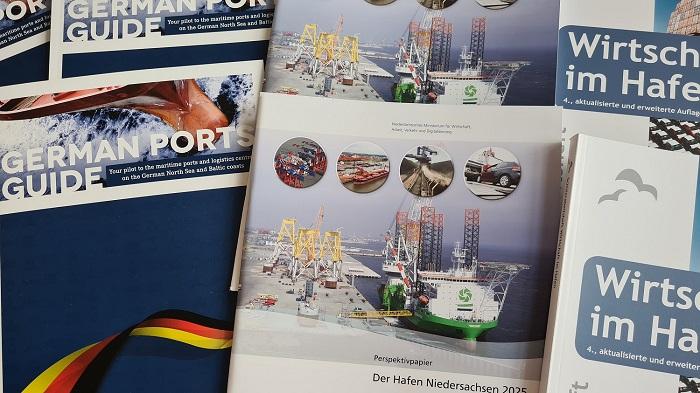 https://seaports.de/content/uploads/diverse_broschuren_mobil.jpg
